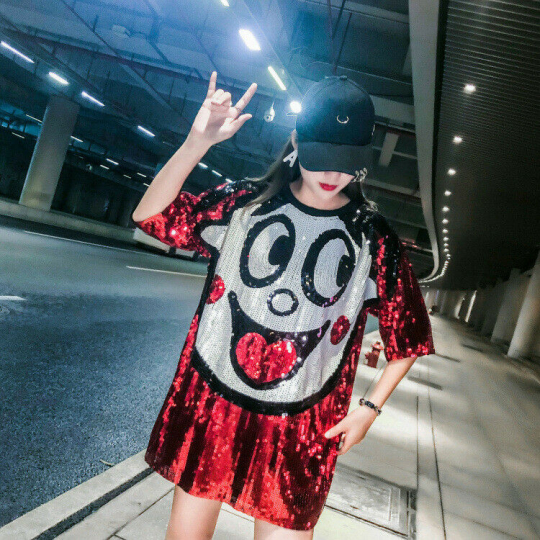 667  Woman Sequins smiled-face Loose T-shirt short Sleeve Top bust-43.3inch