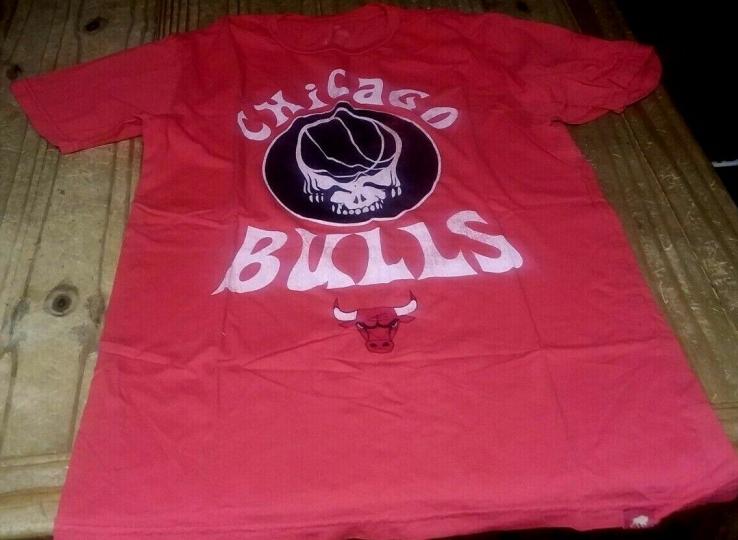 Chicago BullS X Grateful Dead Colab Sportiqe Premium T-Shirt JORDAN GARCIA RARE