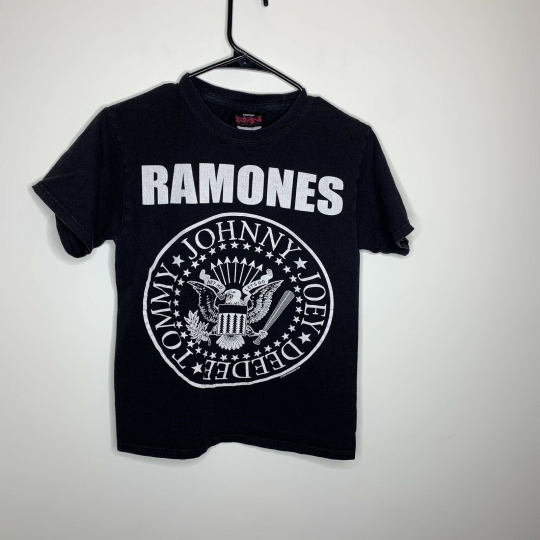 Mens S Black Ramones Authentic 2008 Punk Rock Short Sleeve Band Tee Shirt
