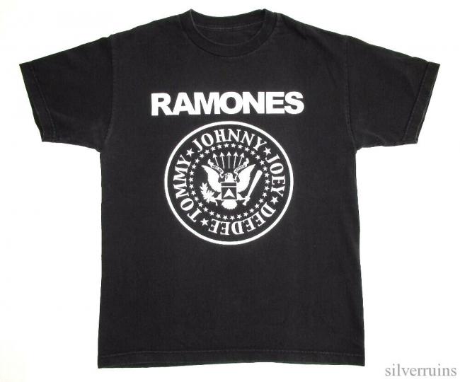 Ramones Vintage T Shirt 2000's Classic Logo Punk Rock Band M
