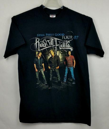Rascal Flatts T-Shirt M Still Feels Good Concert Tour 2007 Country Music A1-21