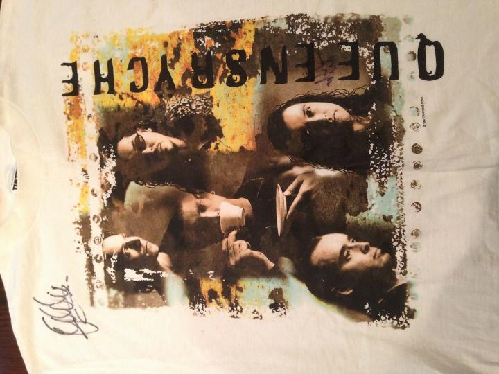 SIGNED Rare Vintage 1997 Queensryche Band Tour Concert T Shirt Size XL Prog Rock