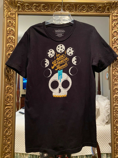 Zac Brown Band  Distressed sz L T-Shirt Night of Candles 2017 Tour Free Shipping